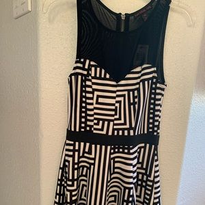 Material Girl Dress 🖤🤍